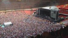 Emirates Stadyumundaki Queen Sevgisi