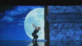 İnanılmaz Japon Dans Gösterisi