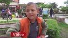 Yaşıtları 23 Nisan Çocuk Bayramını Kutlarken Efe'nin Bayrak Satması