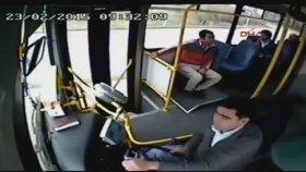 Adana'da Yolcu ve Şoför Arasındaki Kavga (Engelli İçerir)