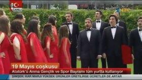 Boğaziçi Caz Korosu'nun NTV'yi Canlı Yayında Trollemesi
