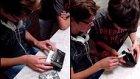 Hayatlarında İlk Kez Walkman Gören Masum Ergenler