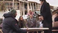 Dizi Çekiminde Gaza Gelen Yardımcı Oyuncu