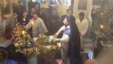 Yunanistan'da Toplu Vaftiz (Abartı içerir)