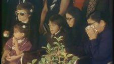 Bruce Lee' nin Cenaze Töreni