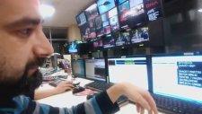 Haber Spikeri Hem Kameraya Bakıp Hem Yazıyı Nasıl Okur