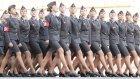 Uygun Adım Yürüyen Rus Kadın Askerler