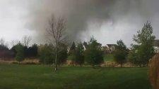 Saniyeler Kala Tornado'dan Kurtulmak