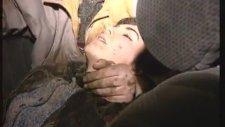 Star Haber Ekibinin Kazazedelere Yardımı (1994)