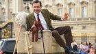 Mr Bean'in 25. Yılını Buckingham Sarayında Araba Üstünde Kutlayan Rowan Atkinson