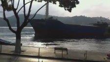 Gemisi Karaya Vuracak Olan Kaptanı Eleştirmek