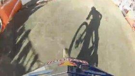 Bisikletle Hızlı İniş Yarışı - RedBull