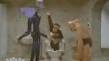 Prometheus And Bob - Tuvalet