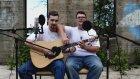 2 Adam 1 Gitar Ve Mükemmel Bir Cover