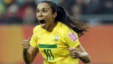 Marta en güzel 3 golünü seçti