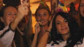 Gerçek Rus Kızlarının Sasha Dith - Russian Girls Şarkısına Klip Çekmesi
