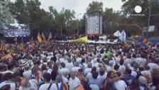 Barcelona'da Katalanların Dev Bağımsızlık Talebi Yürüyüşü