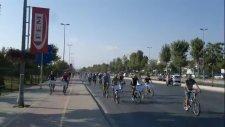 Bisikletli İnsanların Ölümüne Bir Zor Eylemi