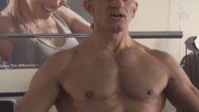 63 Yaşındaki Vücut Geliştirme Şampiyonu
