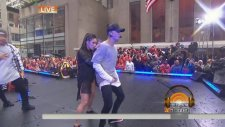 Justin Bieber - What Do You Mean? (Live on Today Show 2015)