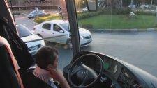 Hipnotize Eden Otobüs Sürüşü