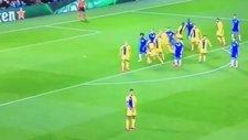Willian attı Chelsea öne geçti!