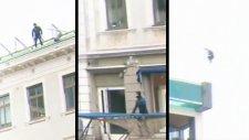 Çatıdan Çatıya Trambolin İle Atlamak