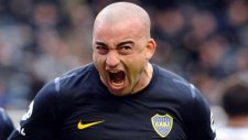 Santiago Silva az kalsın hakemi dövüyordu!