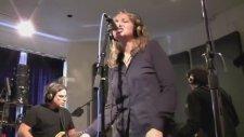 Joan Osborne - Shake Your Hips (Canlı Performans)