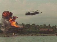Vietnam Köyüne Saldırı Sahnesi - Apocalypse Now