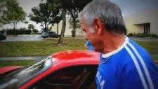 Babasına Ferrari Hediye Eden Adam