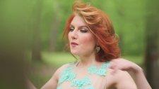 Alexandra Ungureanu & Nora Denes Symphonical - Lumea viseaza