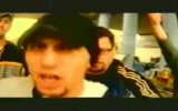 İlk Rap Kliplerinden  Rapor 2 Buraya Yumruk Havaya 1998