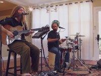 Dört Kolla Müzik Yapmak - Mike Love