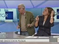 İtalyan Şovmenin Kadın Spikerin Dudaklarına Yapışması
