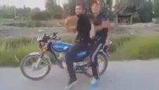 Adana Merkez Patlıyor Herkes Uzun Versiyon ( HD )