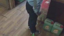 Köksal Baba Oyun Oynuyor Işıklı Ayakkabısıda Yakıyor :) #vlog
