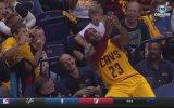 LeBron James'in Maç İçinde Selfie Çekmesi