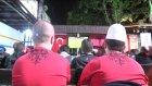 Arnavutlar maçı açık alanda toplu halde izledi