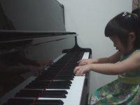 Piyano Çalan 3 Yaşındaki Çocuk