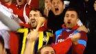 Milli takımın golüne sevinen Fenerbahçeli ve Trabzonsporlu taraftarlar
