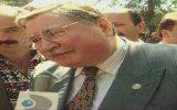 Hasan Celal Güzel Önüne Geleni Öperek Seçimlere Hazırlanıyor 1996
