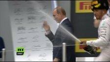 Formula 1 Pilotu Hamilton'ın Putin'i Islattığı Anlar