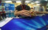 Rubik Küpü 5.77 Saniyede Çözme Yeteneğine Sahip Genç