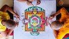 8 Dakikada Doğu Mistisizminin En Güzel Simgelerinden 'Mandala'nın Yapılışı