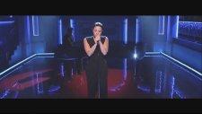 Demi Lovato - Stone Cold (SNL Canlı Performans)