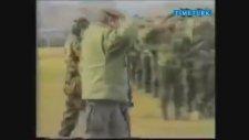 Aliya İzzetbegoviç'in Askerleri Selamı (Nostalji)