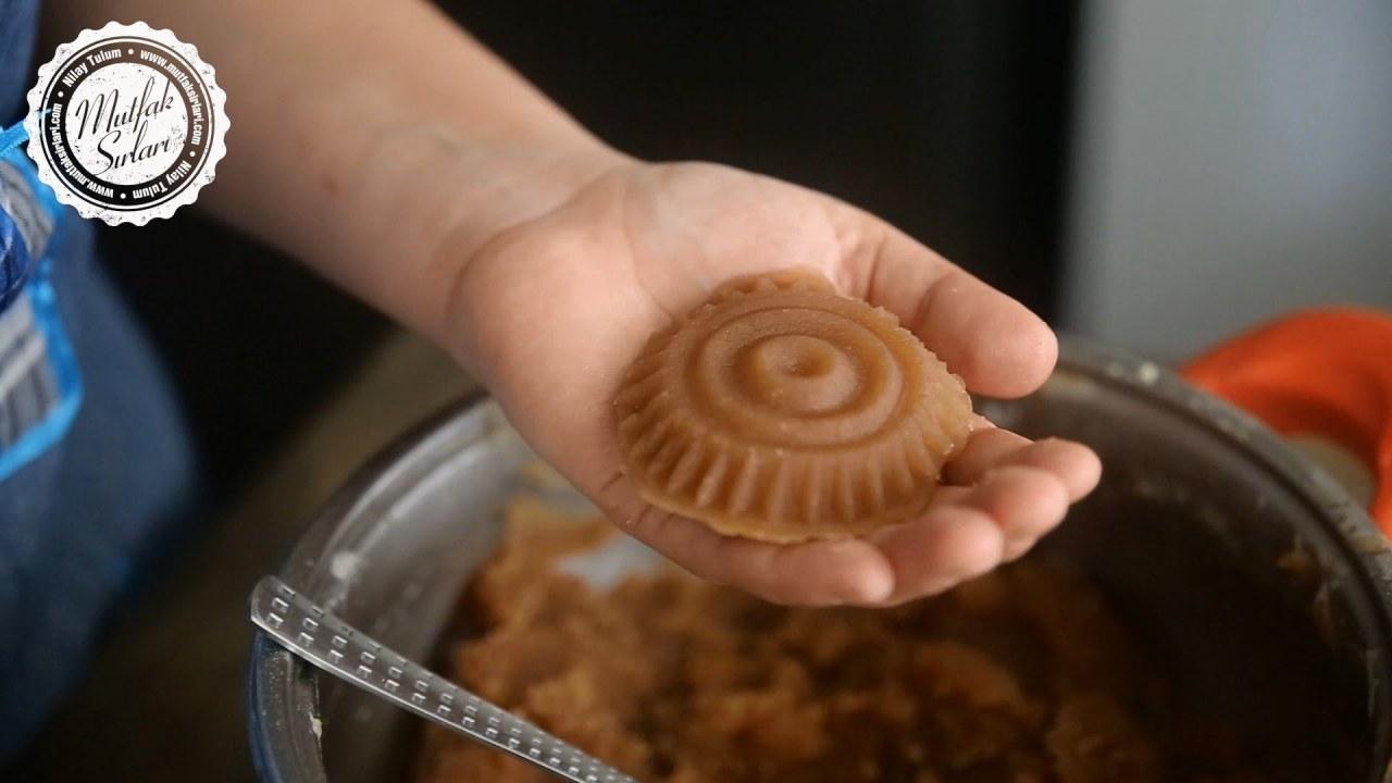 Çikolata Kaplı Un Helvası Tarifi Videosu