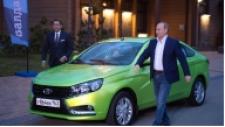 Putin Yerli Otomobili Test Etti