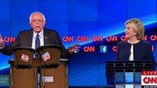ABD'li Başkan Aday Adayı Bernie Sanders'ın Konuşması Bongo Çalgısı Gösterisine Dönüştürüldü